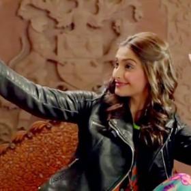 sonam-kapoor-selfie