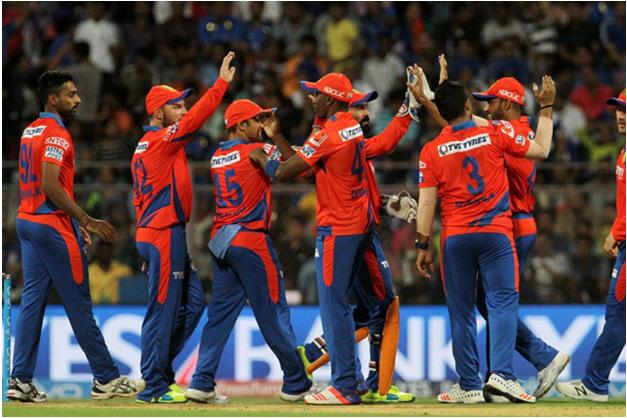 gujarat-team-celebrating